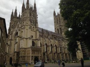 Canterbury_katedrala_zvenci_zdalky