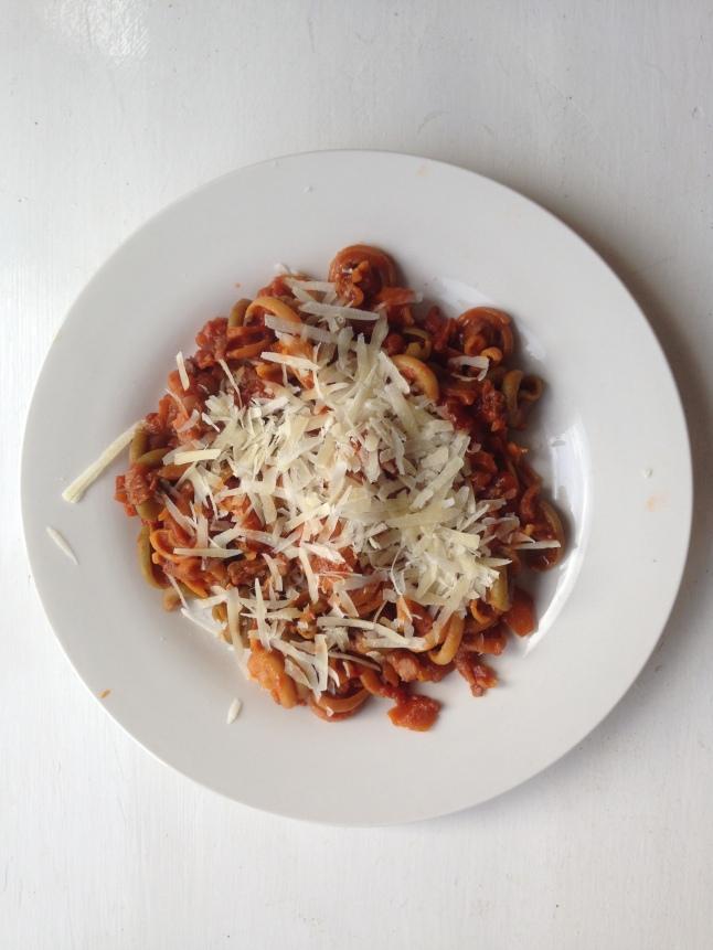 Vegetariánské těstoviny bolognese